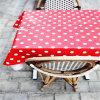 Mantel rojo disponible al por mayor del partido del color del PUNTO de polca para la comida campestre