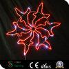 Weihnachtsbaum verziert Weihnachtsdekoration-Schneeflocke-Lichter
