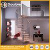 装飾的な螺旋階段の手すりの鋼鉄階段