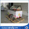Carro espacioso del helado con helado del paraguas y la bicicleta de la venta/el carro frescos de Gelato