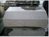 Bordo della strada, tipo del paracarro, bordo grigio del granito