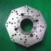CNC da elevada precisão que faz à máquina a peça sobresselente do aço inoxidável girando o torno