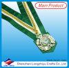 Medalla de oro con el acollador ancho