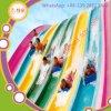 Promoção que vende a corrediça brilhante colorida do parque da água do arco-íris