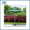 Parapluie de plage de famille et de dîner d'amis pour les meubles extérieurs