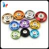Покрашено цветастым зашейте на кнопке щелчковой крепежной детали для одежды