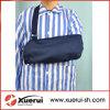 Cotone medico che immobilizza l'imbracatura ortopedica del braccio
