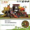 A promoção de vendas desliza para o campo de jogos ao ar livre das crianças