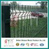 溶接された金網の塀によって溶接される鉄条網を補強する電流を通された6X6