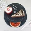 党のための普及した黒いサービング皿の自然な石造りのスレートのケーキの立場