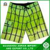 A praia dos homens da manta Shorts With100%Polyester