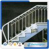 Trilhos do ferro feito/corrimão internos da escada