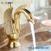 Misturador dourado luxuoso de bronze da bacia da cisne