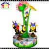 Счастливая пчела веселая идет Carousel круга работает с монеткой