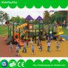 Kind-Plastikgymnastik-Eignung-im Freienspielplatz