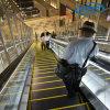 Escalera móvil de la circulación densa para la alameda de compras
