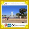 Fonte de água ao ar livre do parque de diversões na associação redonda
