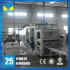Bloque hueco concreto del material de construcción que hace la máquina