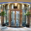 Piccolo elevatore domestico di vetro facente un giro turistico decorativo