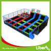 Trampolín con el aro de baloncesto/el hoyo de salto de la espuma del trampolín