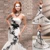 オーガンザのアップリケの人魚のウェディングドレスか花嫁衣装