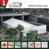 Grande tenda di evento con condizionamento d'aria ed il sistema di illuminazione