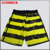 Shorts della spiaggia degli uomini con stile della banda