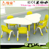 Fontes e mobília da guarda de China, tabela livre do centro de dia e cadeiras ajustadas