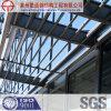 Estructura de acero en el edificio prefabricado
