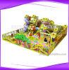 Campo de jogos interno comercial usado das crianças dos cabritos
