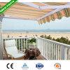 ヒマラヤスギのテラスのデッキは屋根を覆う
