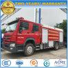 Sinotruk HOWO 6はトラック12トンの水タンカーの泡の消火活動の動かす