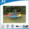 Het Kleurrijke Opvullen van de trampoline slechts