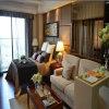 Insiemi materiali di legno della mobilia della camera da letto di legno solido di apparenza antica