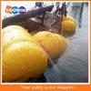 海洋海難救助の水中持ち上がる袋