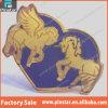De la fábrica ventas al por mayor de encargo Pegasus del recuerdo 2015 de encargo al por mayor de la alta calidad directo y divisa del Pin del corazón púrpura del metal del unicornio