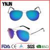 As lentes coloridas do espelho da alta qualidade de Ynjn polarizaram o piloto dos óculos de sol (YJ-F8625)