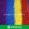 L'erba sintetica colora il tappeto erboso esterno dello Synthetic di calcio