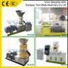 (a) Pequeña pelotilla de la cáscara del arroz que hace la máquina para la pelotilla de la biomasa