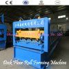 Construção do Decking do piso de aço que faz a maquinaria