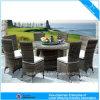 ホテルの藤の屋外の家具の庭の円形の柳細工表および椅子