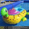 Barco abundante inflável do parque a fichas da água para o miúdo