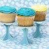 Soporte lindo bien diseñado de la torta de la decoración de la boda
