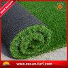 Erba artificiale del tappeto erboso sintetico verde di plastica per il giardino