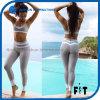 La nuova ragazza di arrivo i pantaloni di forma fisica che di modo sexy spingono in su mette in mostra le calzamaglia respirabili d'impionbatura