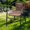 I bistrot presiedono la mobilia esterna del patio della ganascia del rattan