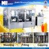 Embotelladora automática llena del zumo de fruta