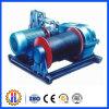 El torno de potencia de las piezas del alzamiento de la construcción tiene carga 1.6 toneladas