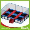 La sicurezza scherza la sosta esterna dell'interno del trampolino