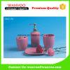 el accesorio de cerámica rosado promocional del baño 4PCS fijó con la bomba del dispensador del jabón